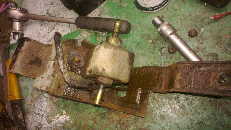 nissan x trail 2005 fuel pump